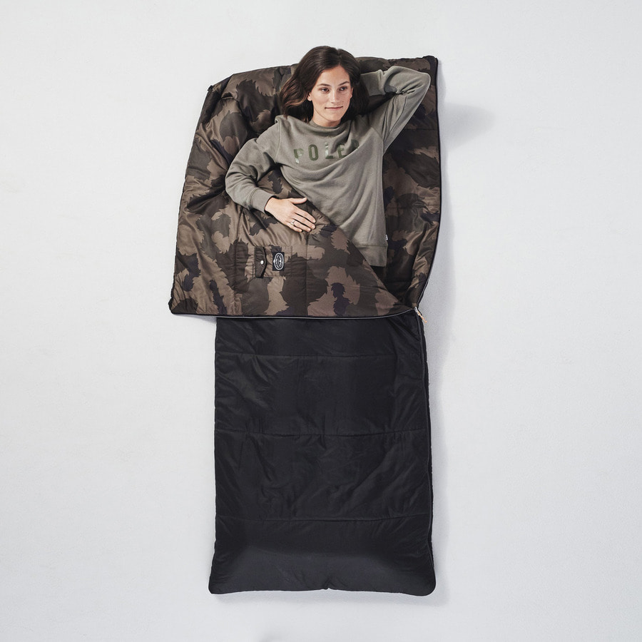 REVERISBLE SLEEPING SACK OLIVE FURRY CAMO